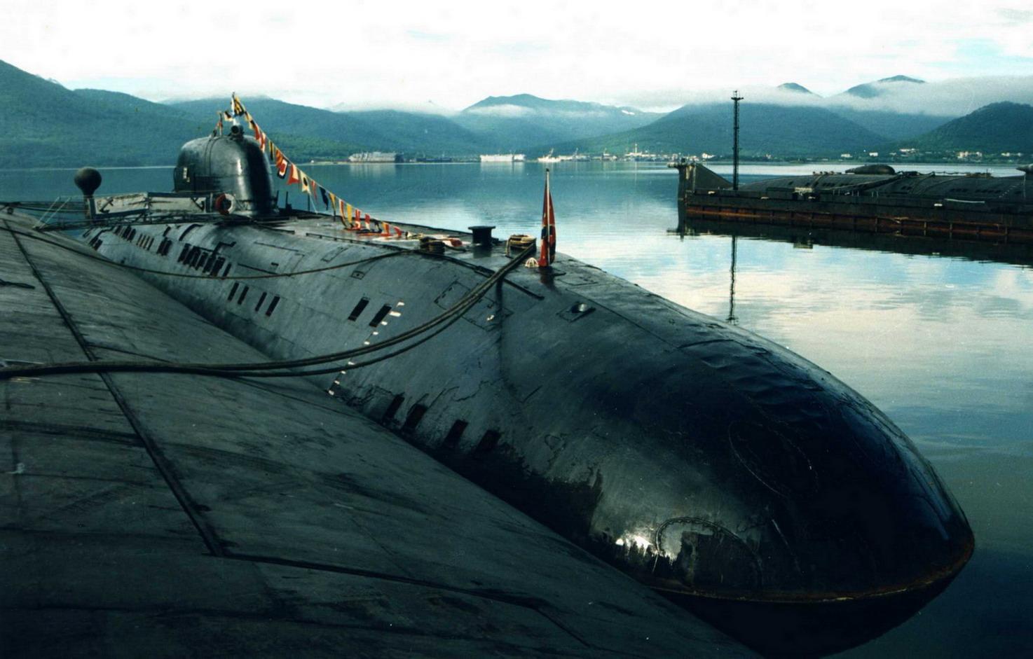 разрушенная подводная лодка